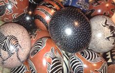 Handmålade Soapstone Ägg från Kenya