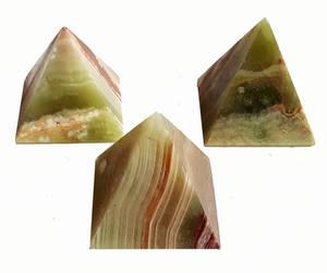 Onyx Pyramid - 6cm