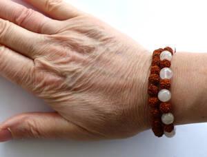 Rudraksha / Rosenkvarts  Mala Armband