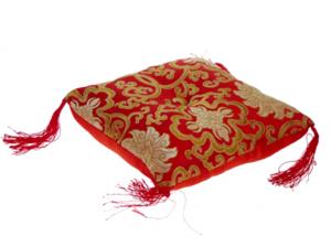 Sjungandeskål kudde röd med blomdesign