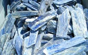 Kyanit Kristall  -  Blå