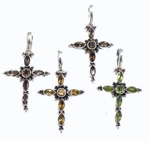 Silver Kors med Fascetterer Kristaller
